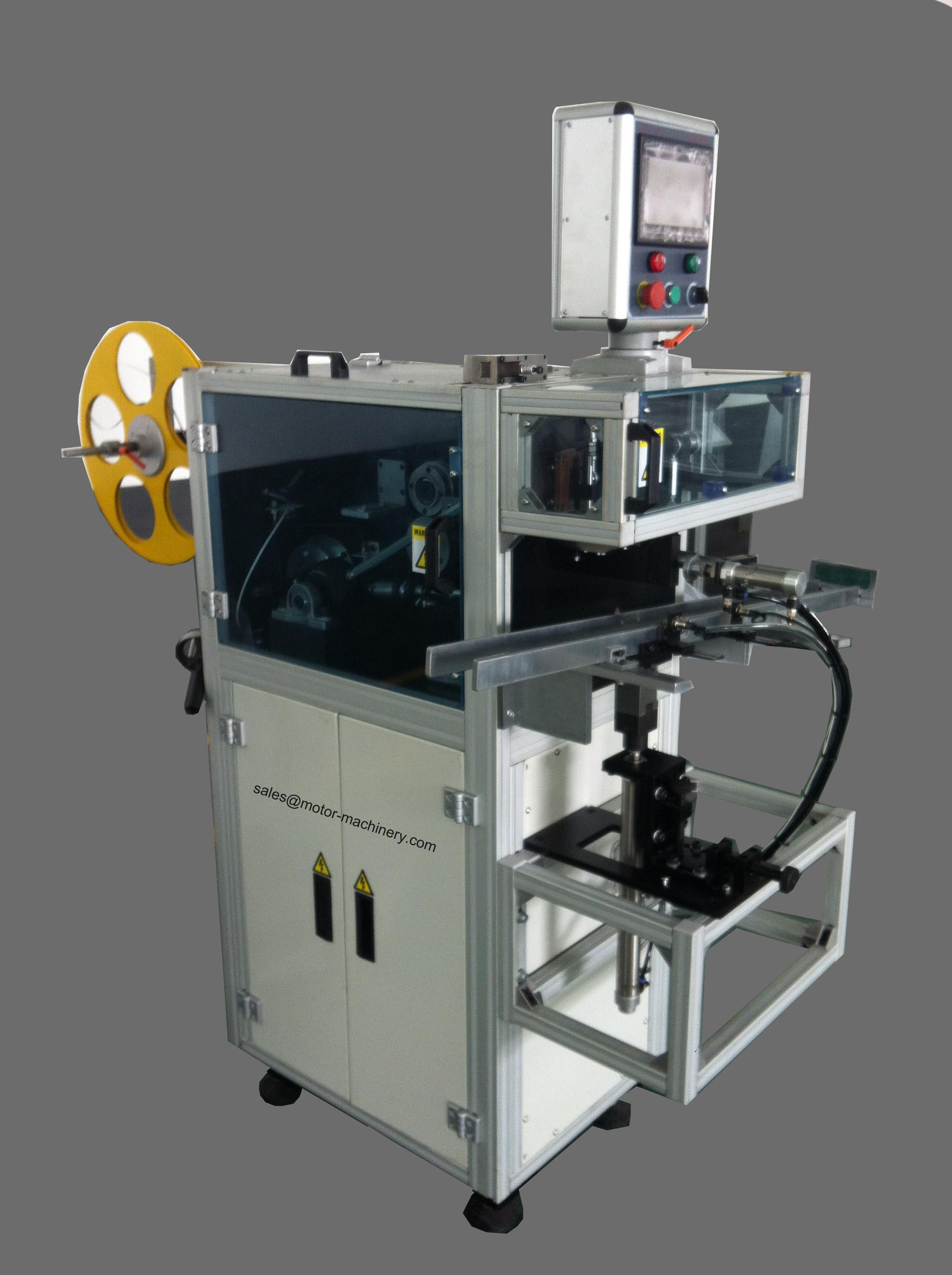 Slot insulation placement machine